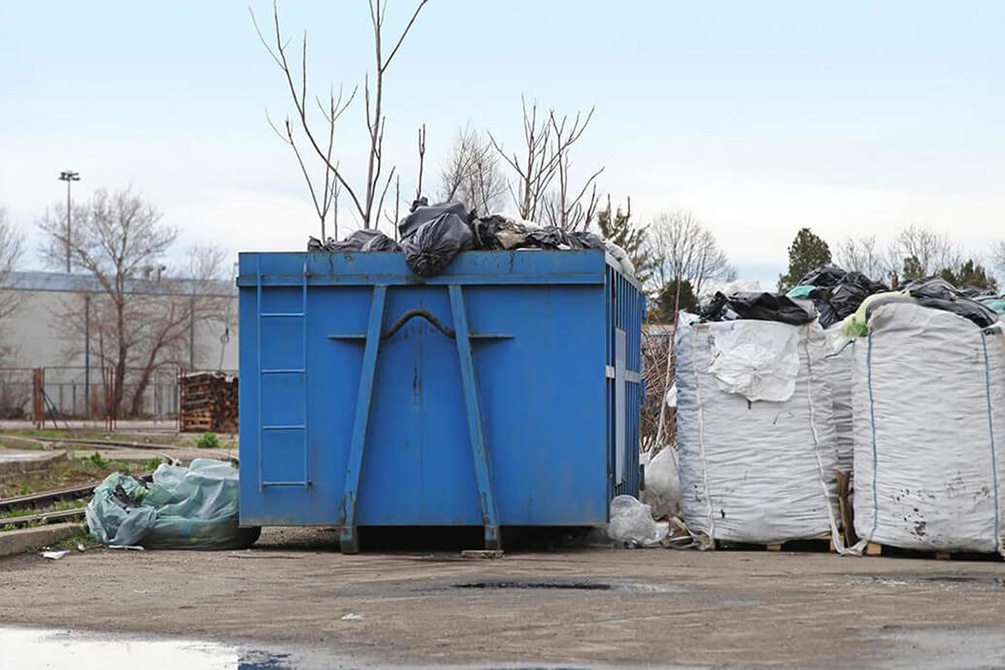 Contact Us-Bakersfield Dumpster Rental & Junk Removal Services-We Offer Residential and Commercial Dumpster Removal Services, Portable Toilet Services, Dumpster Rentals, Bulk Trash, Demolition Removal, Junk Hauling, Rubbish Removal, Waste Containers, Debris Removal, 20 & 30 Yard Container Rentals, and much more!