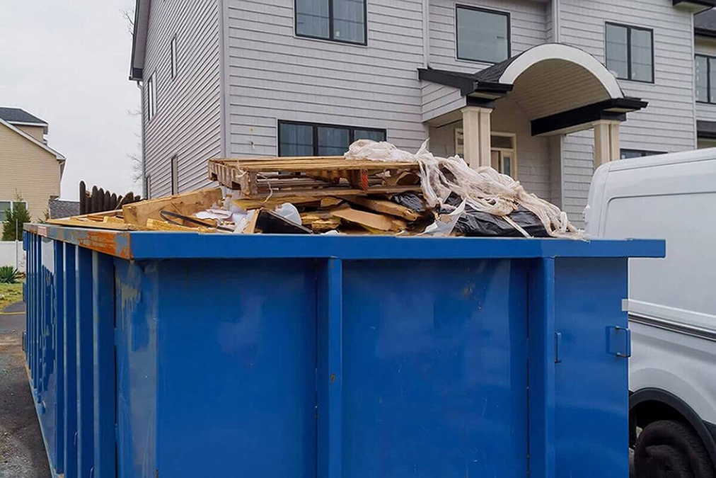 Services-Bakersfield Dumpster Rental & Junk Removal Services-We Offer Residential and Commercial Dumpster Removal Services, Portable Toilet Services, Dumpster Rentals, Bulk Trash, Demolition Removal, Junk Hauling, Rubbish Removal, Waste Containers, Debris Removal, 20 & 30 Yard Container Rentals, and much more!
